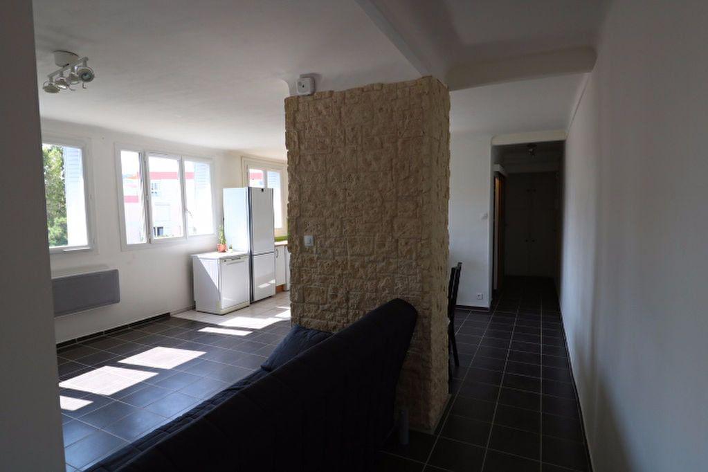 Appartement à vendre 3 60.19m2 à Marseille 8 vignette-6