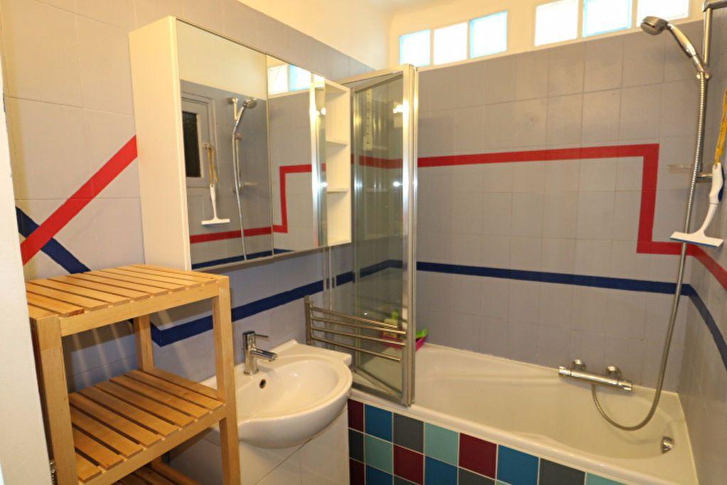 Appartement à vendre 3 60.19m2 à Marseille 8 vignette-7