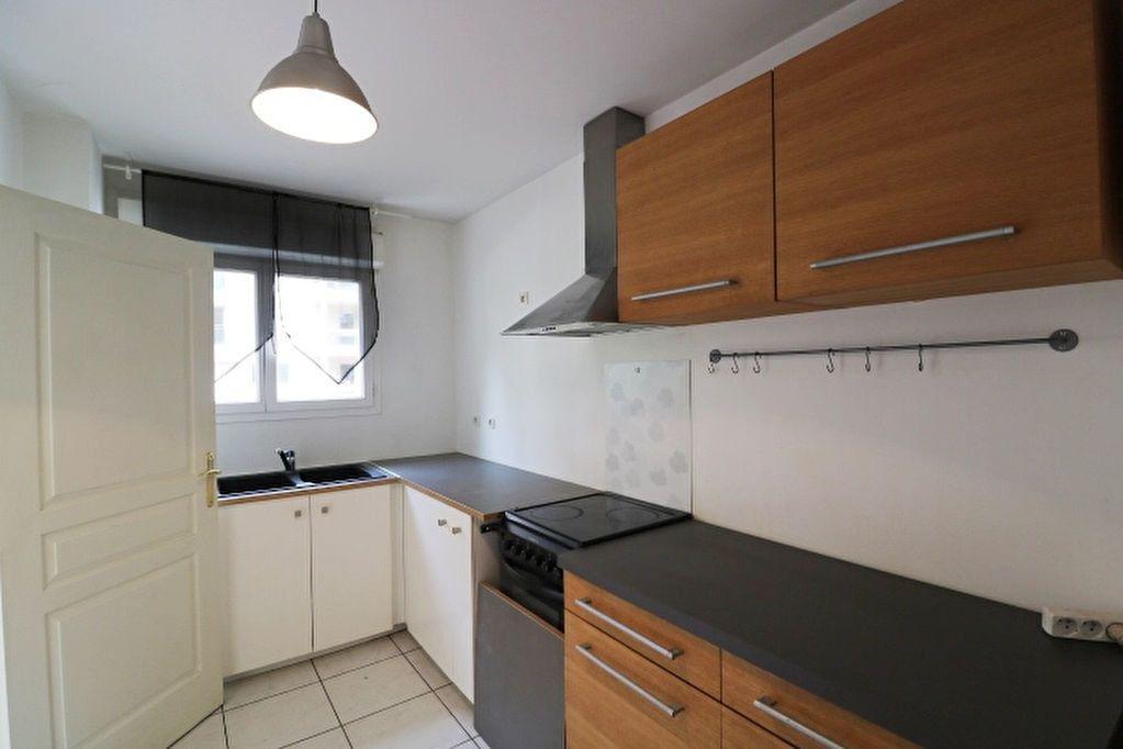 Maison à louer 3 66.05m2 à Marseille 6 vignette-4