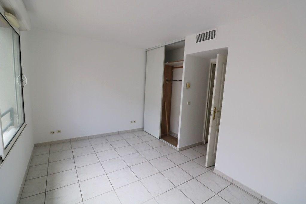 Maison à louer 3 66.05m2 à Marseille 6 vignette-8