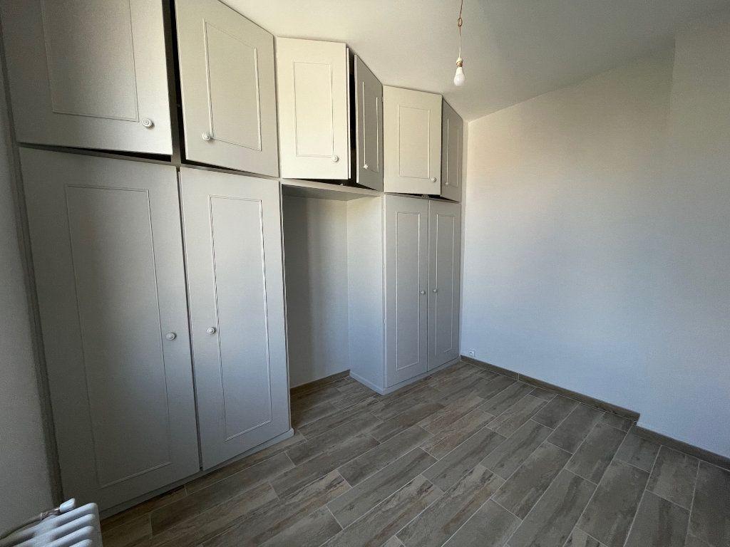 Appartement à louer 3 42.15m2 à Marseille 8 vignette-4