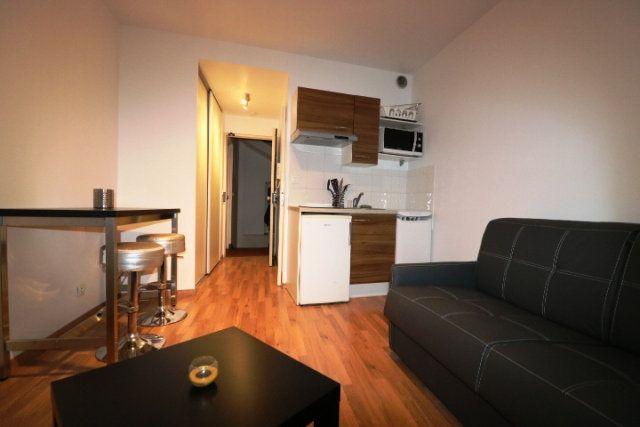 Appartement à louer 1 20m2 à Marseille 6 vignette-1