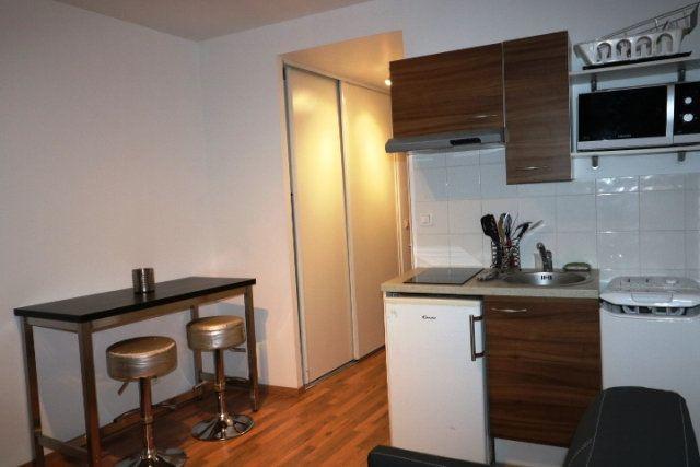Appartement à louer 1 20m2 à Marseille 6 vignette-2