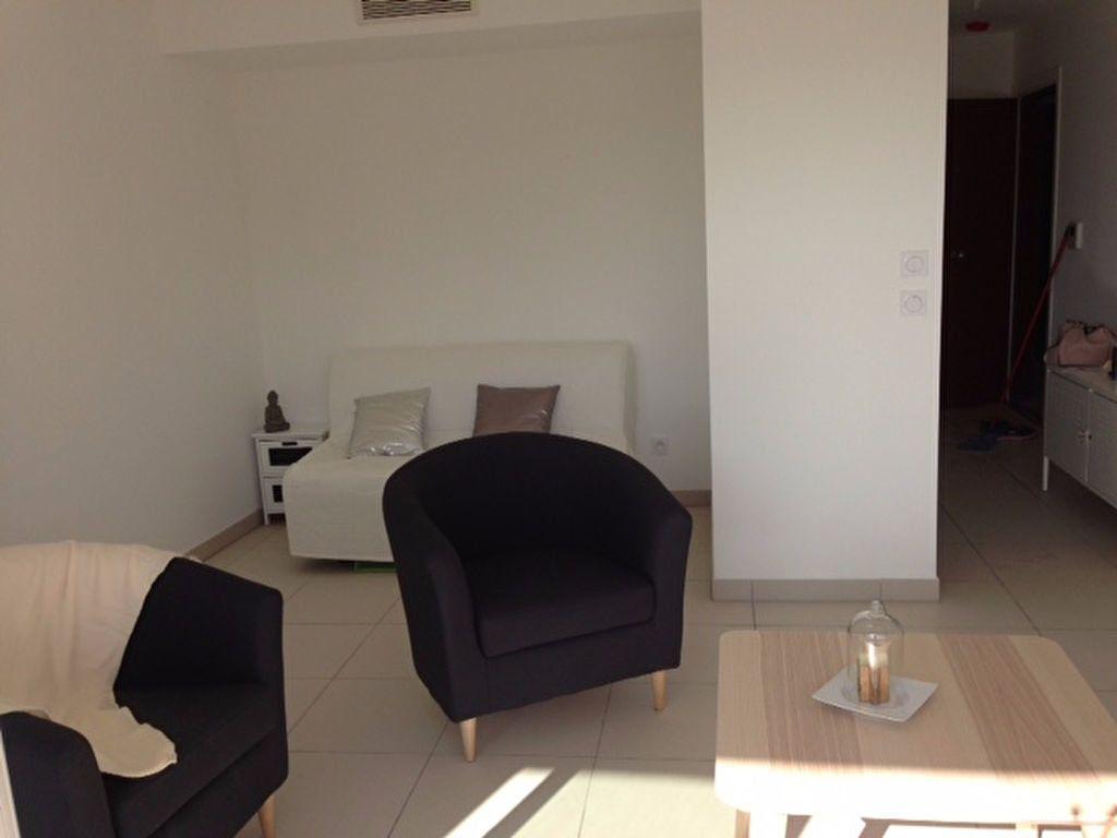 Appartement à louer 1 31m2 à Marseille 9 vignette-3