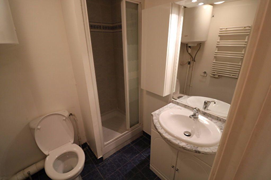 Appartement à louer 1 21.1m2 à Marseille 9 vignette-4