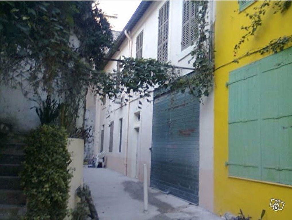 Appartement à louer 1 12m2 à Marseille 6 vignette-4