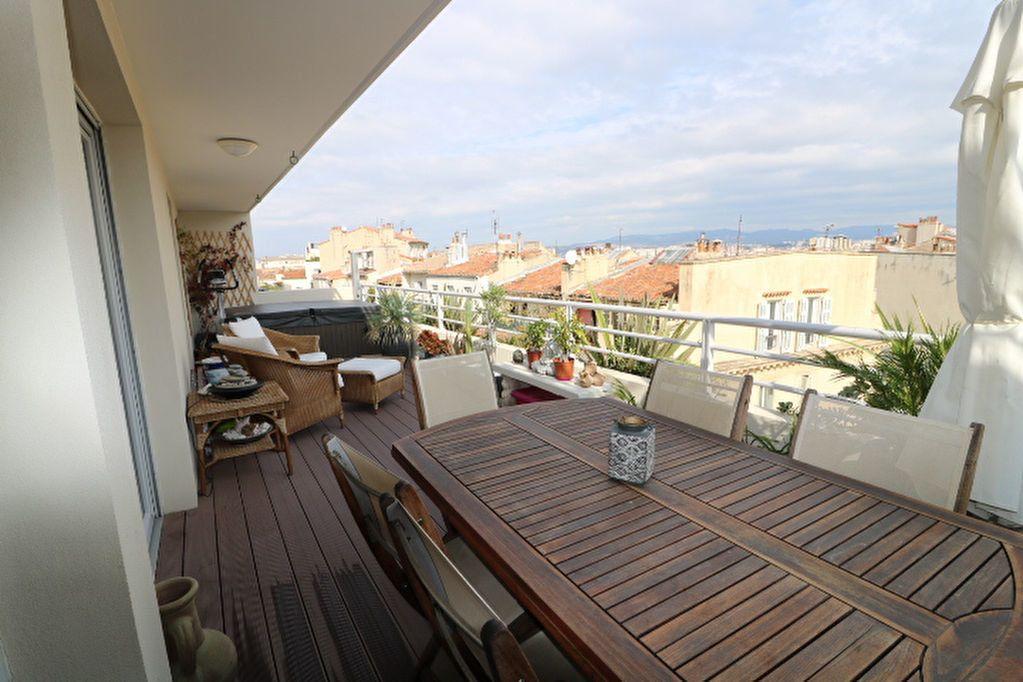 Appartement à louer 4 100m2 à Marseille 6 vignette-2