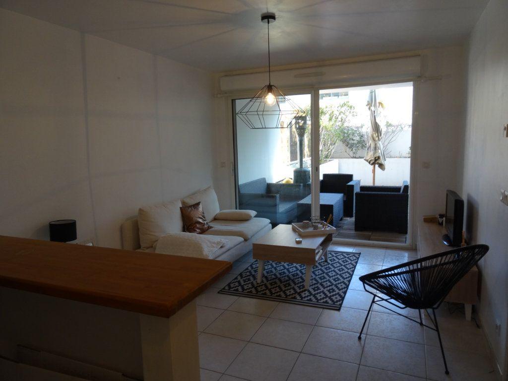 Appartement à louer 2 33.14m2 à Marseille 8 vignette-4