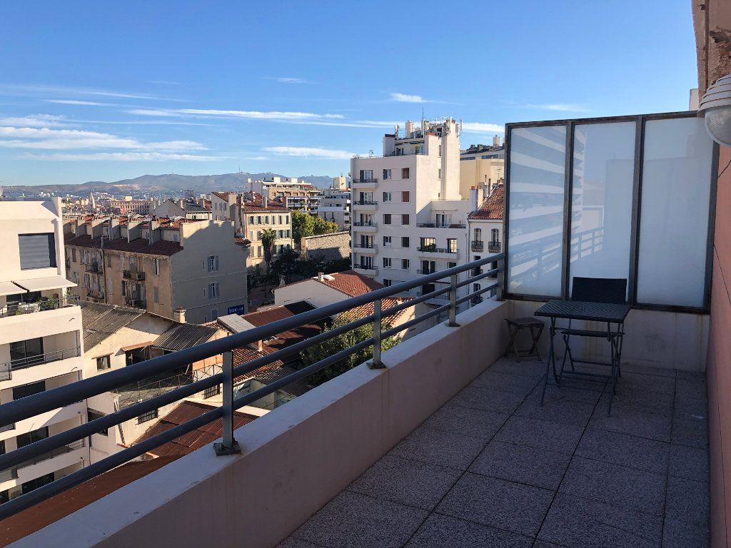 Appartement à louer 1 18.7m2 à Marseille 7 vignette-2