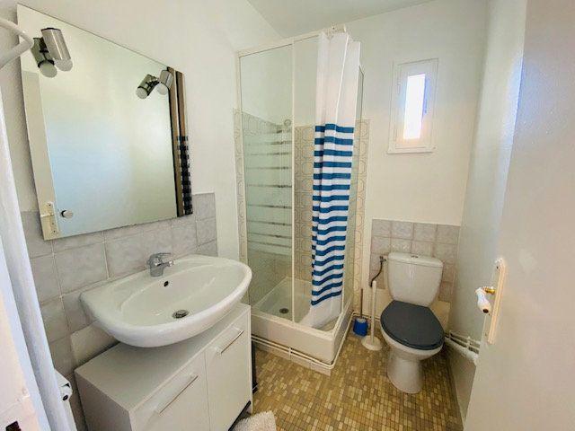 Appartement à louer 1 18m2 à Marseille 9 vignette-4