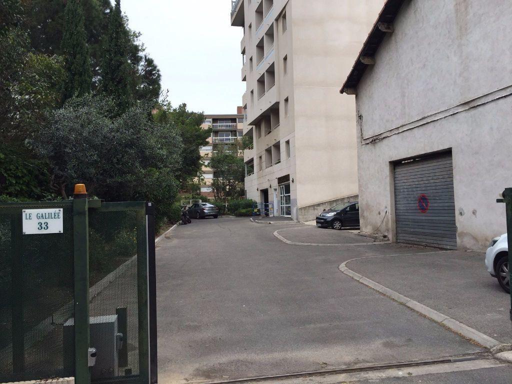 Stationnement à louer 0 14m2 à Marseille 8 vignette-1