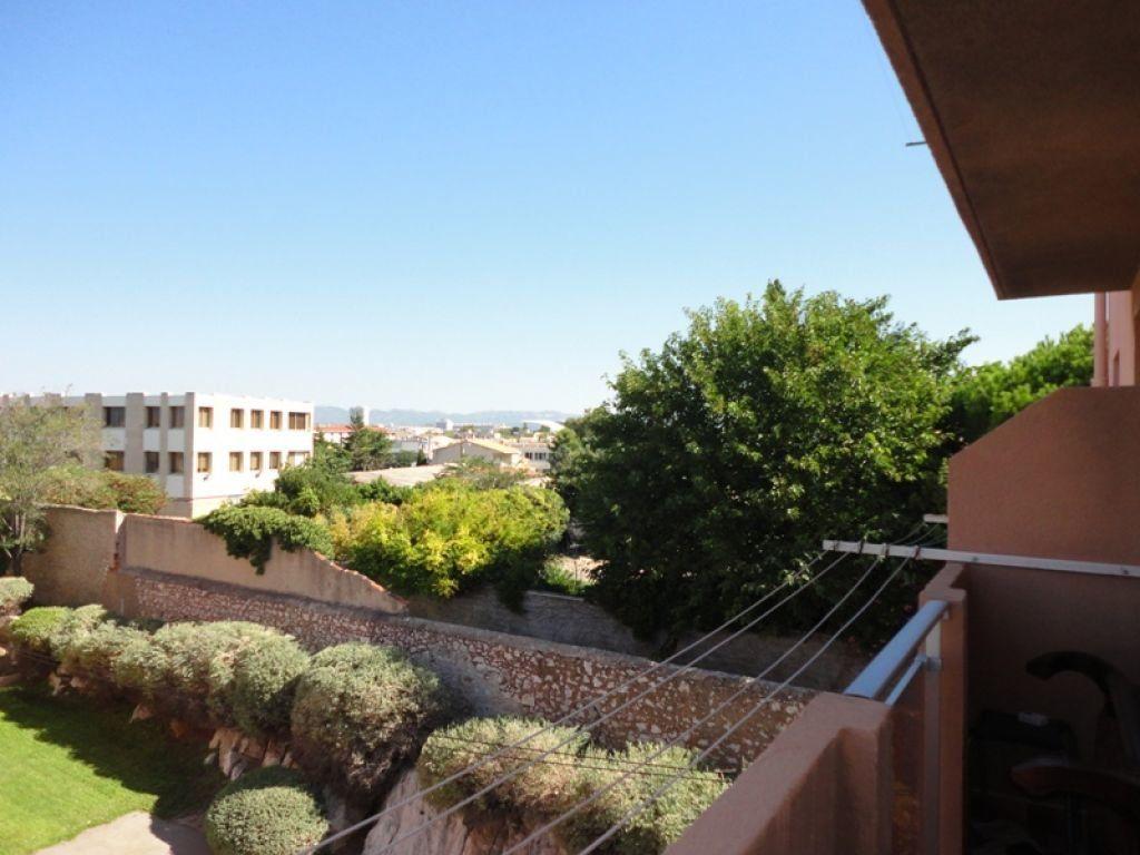 Appartement à louer 4 62.44m2 à Marseille 8 vignette-1