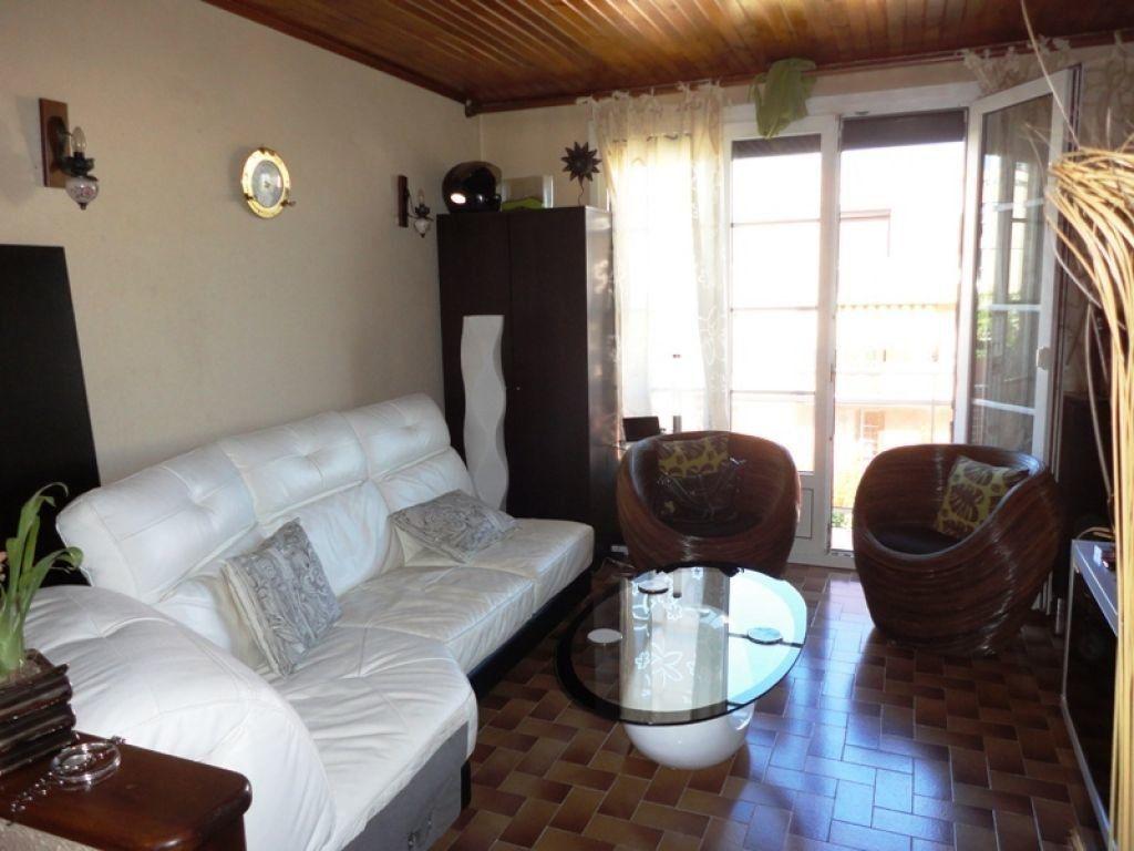 Appartement à louer 4 62.44m2 à Marseille 8 vignette-2