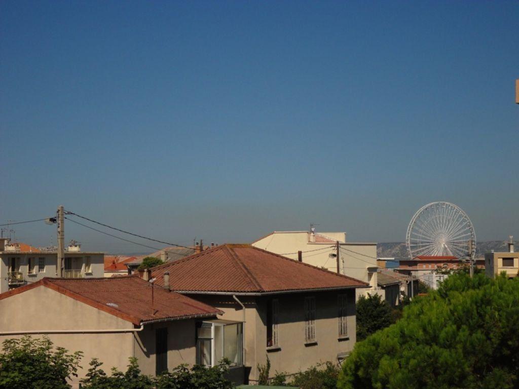 Appartement à louer 4 62.44m2 à Marseille 8 vignette-8