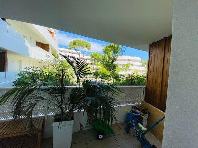Appartement à louer 3 65.2m2 à Marseille 9 vignette-3