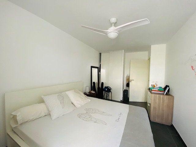 Appartement à louer 3 65.2m2 à Marseille 9 vignette-4