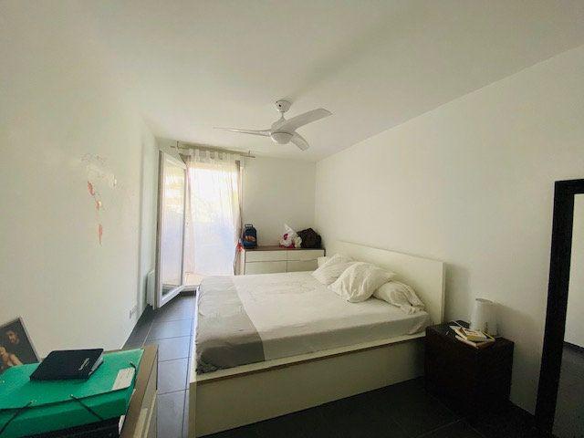 Appartement à louer 3 65.2m2 à Marseille 9 vignette-5