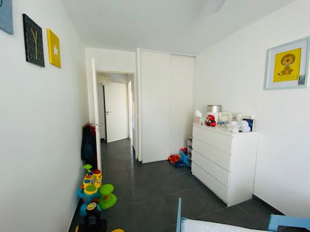 Appartement à louer 3 65.2m2 à Marseille 9 vignette-10