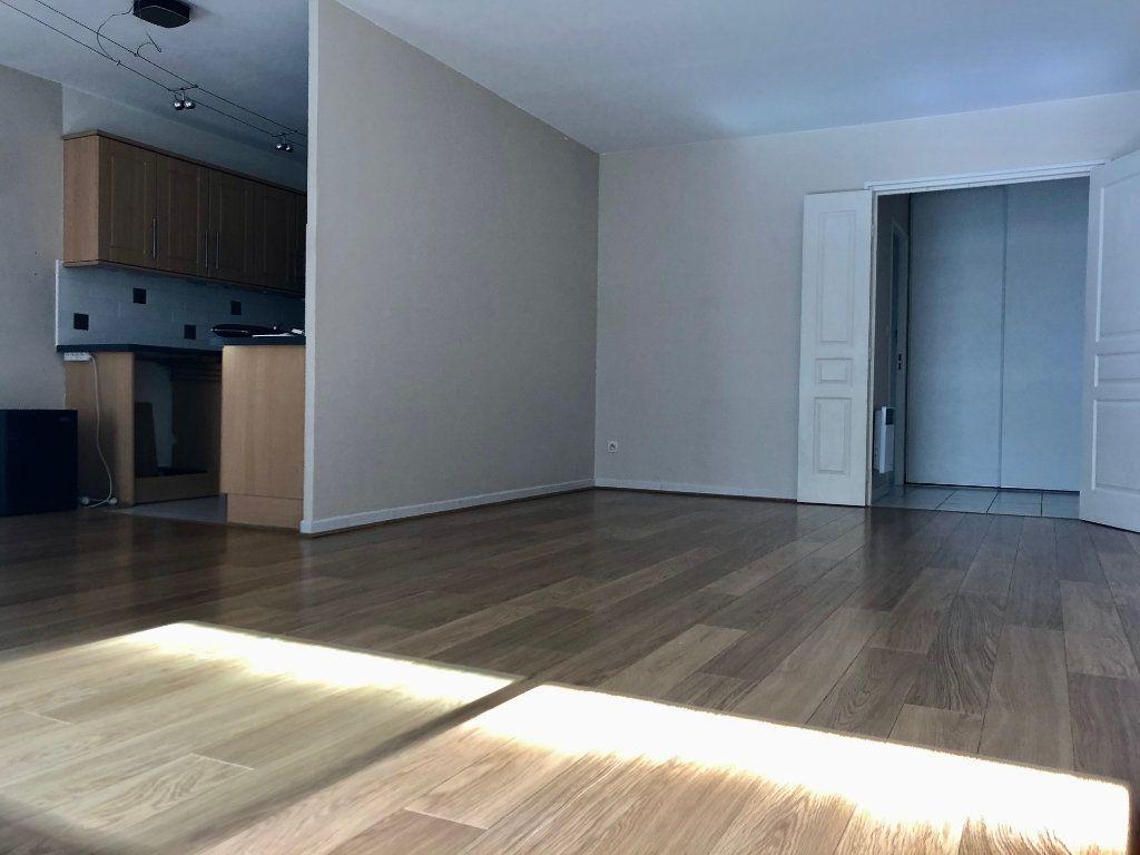 Appartement à vendre 3 71.93m2 à Marseille 9 vignette-1