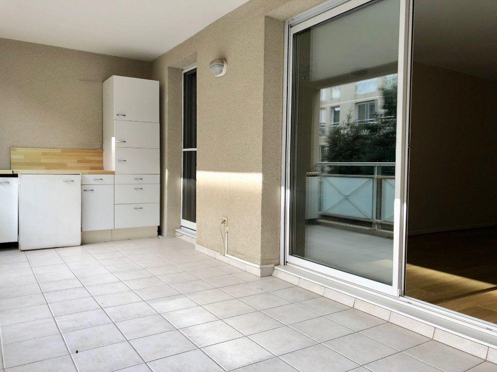 Appartement à vendre 3 71.93m2 à Marseille 9 vignette-2