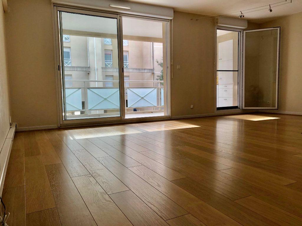 Appartement à vendre 3 71.93m2 à Marseille 9 vignette-3