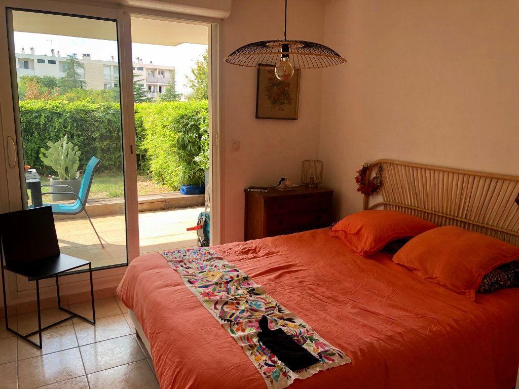 Appartement à vendre 3 62.85m2 à Marseille 9 vignette-4