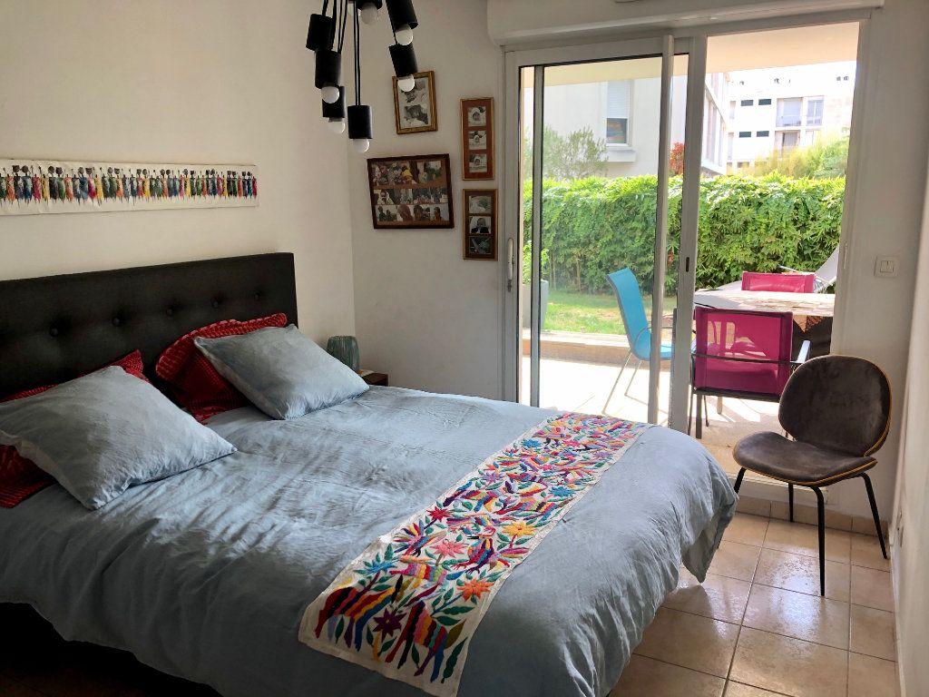 Appartement à vendre 3 62.85m2 à Marseille 9 vignette-5