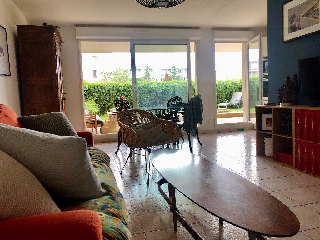 Appartement à vendre 3 62.85m2 à Marseille 9 vignette-7