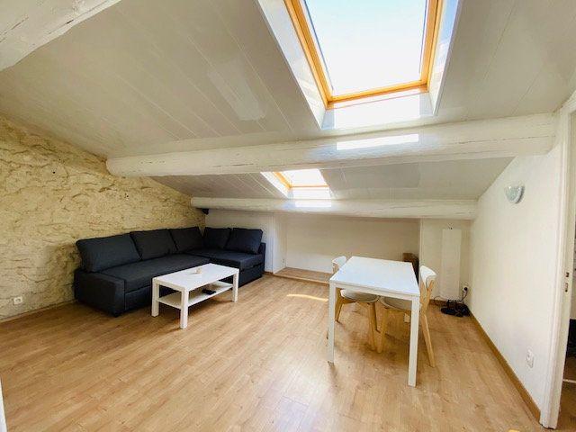 Appartement à louer 2 38m2 à Marseille 3 vignette-1