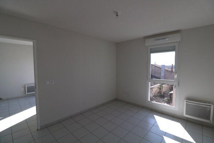 Appartement à louer 2 33.57m2 à Marseille 15 vignette-3