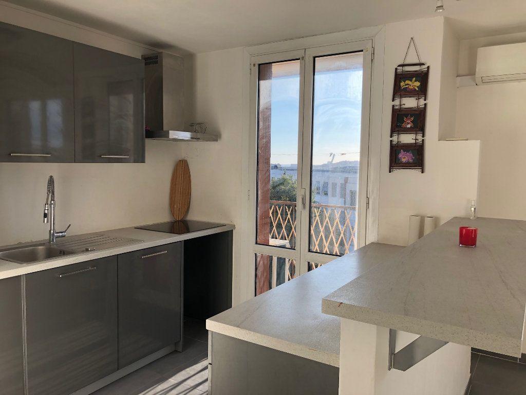 Appartement à louer 4 67m2 à Marseille 12 vignette-1