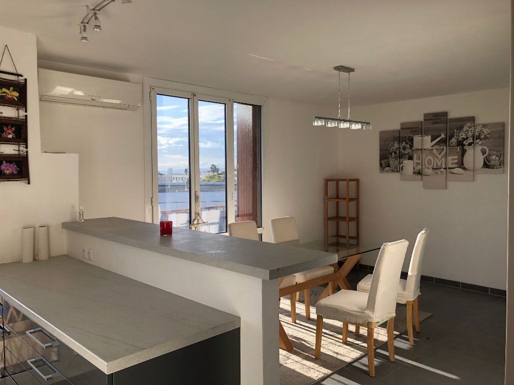 Appartement à louer 4 67m2 à Marseille 12 vignette-2