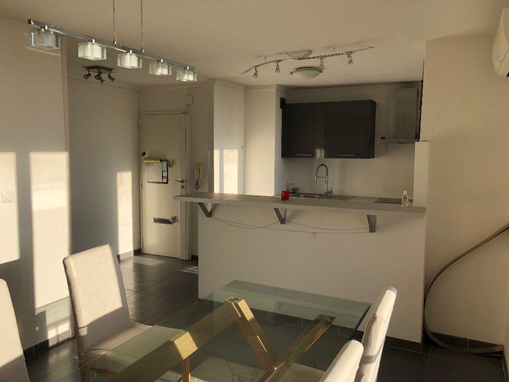 Appartement à louer 4 67m2 à Marseille 12 vignette-3