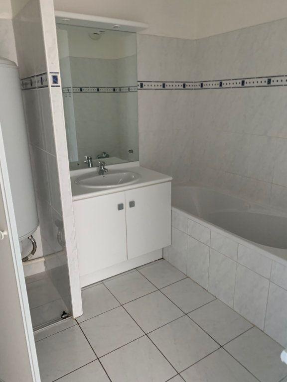 Appartement à louer 2 46.01m2 à Marseille 8 vignette-8