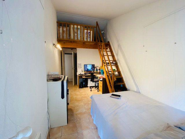 Maison à louer 5 133m2 à Marseille 8 vignette-12