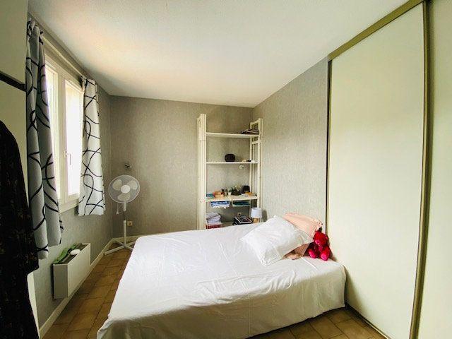 Maison à louer 5 133m2 à Marseille 8 vignette-13