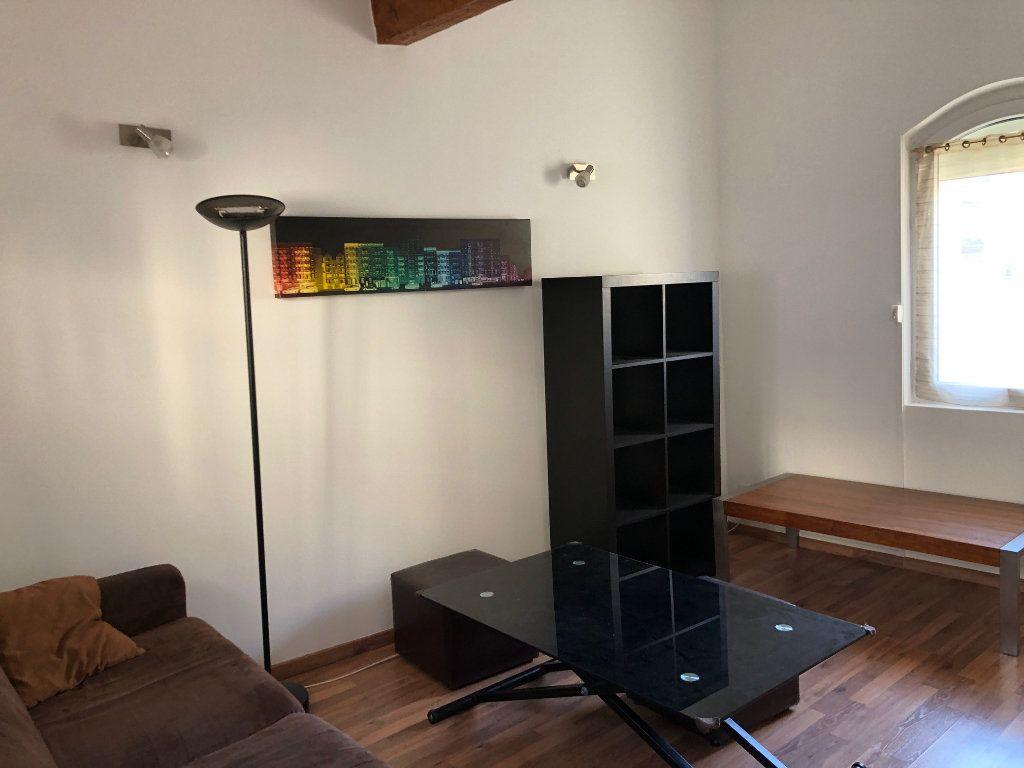 Appartement à louer 1 20m2 à Marseille 6 vignette-3