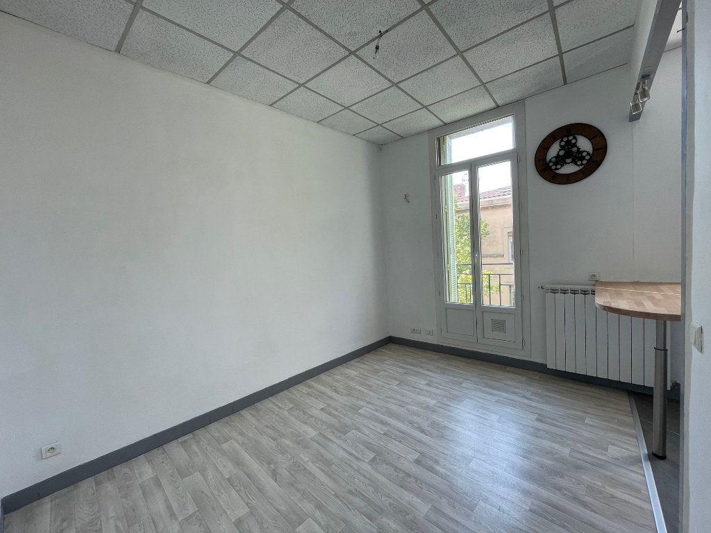 Appartement à louer 2 35m2 à Marseille 9 vignette-4