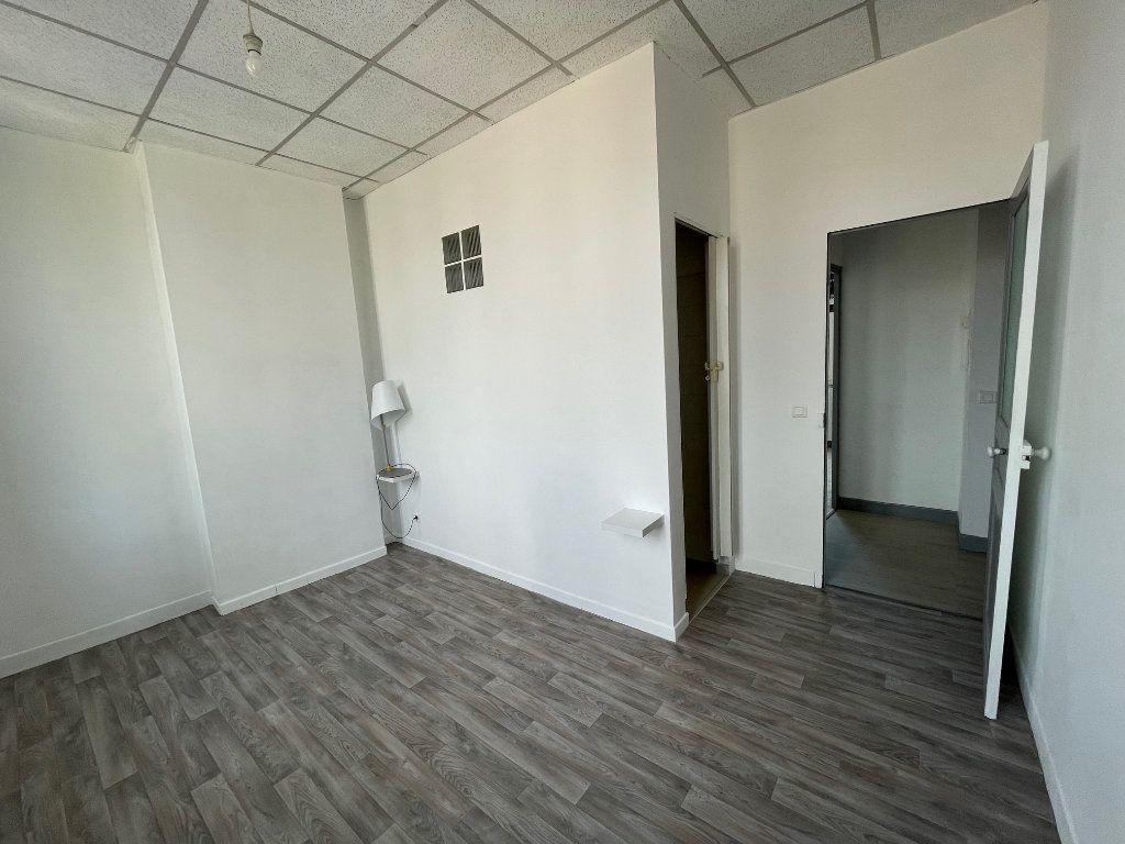 Appartement à louer 2 35m2 à Marseille 9 vignette-5