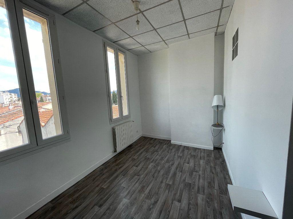 Appartement à louer 2 35m2 à Marseille 9 vignette-6
