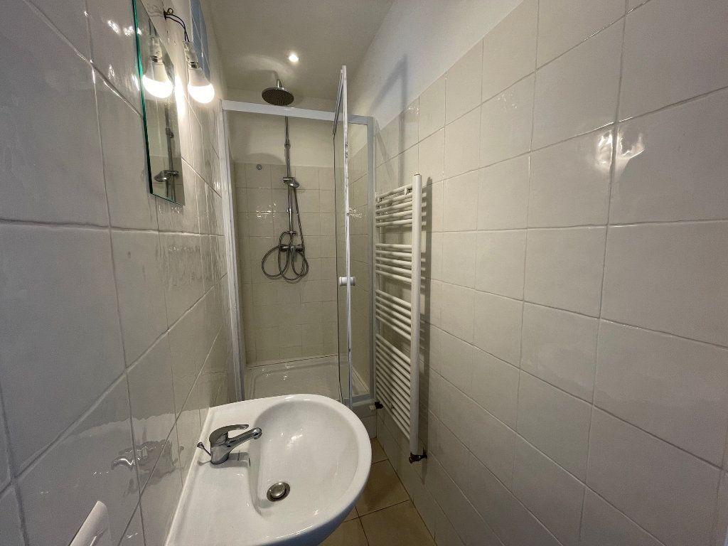 Appartement à louer 2 35m2 à Marseille 9 vignette-7