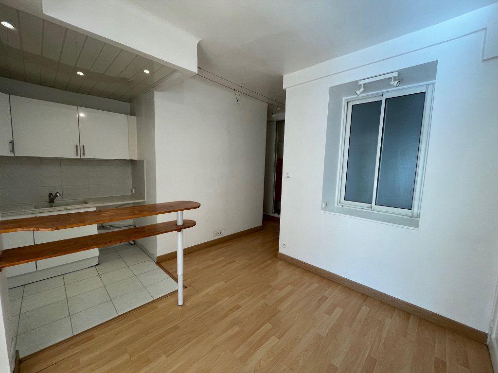 Appartement à louer 2 50m2 à Marseille 8 vignette-5