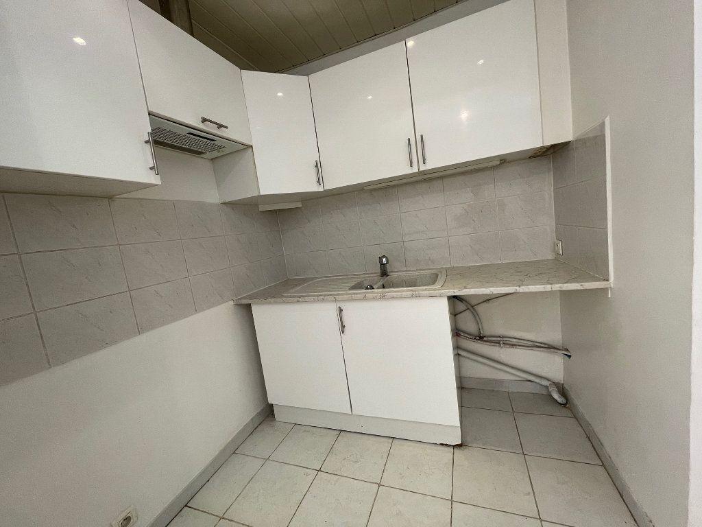 Appartement à louer 2 50m2 à Marseille 8 vignette-6