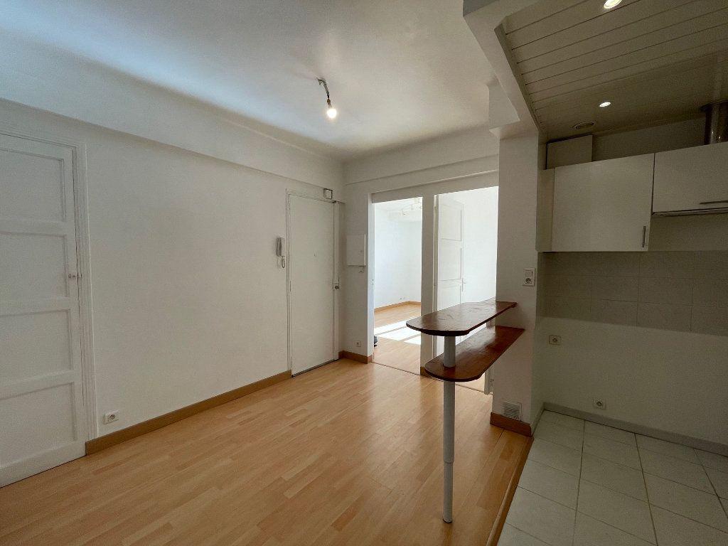 Appartement à louer 2 50m2 à Marseille 8 vignette-7