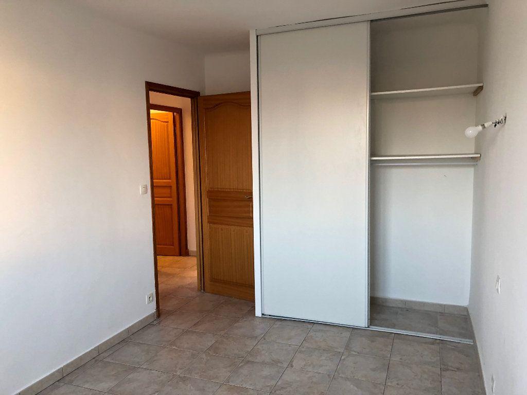 Appartement à louer 3 63.23m2 à Marseille 9 vignette-8