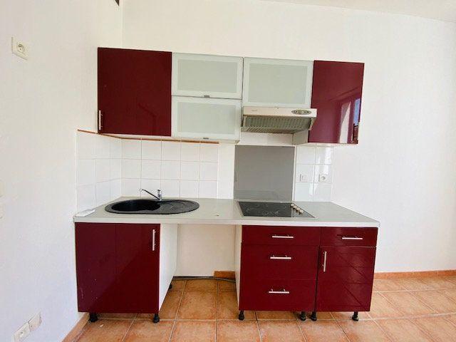 Appartement à louer 2 31.28m2 à Marseille 10 vignette-3