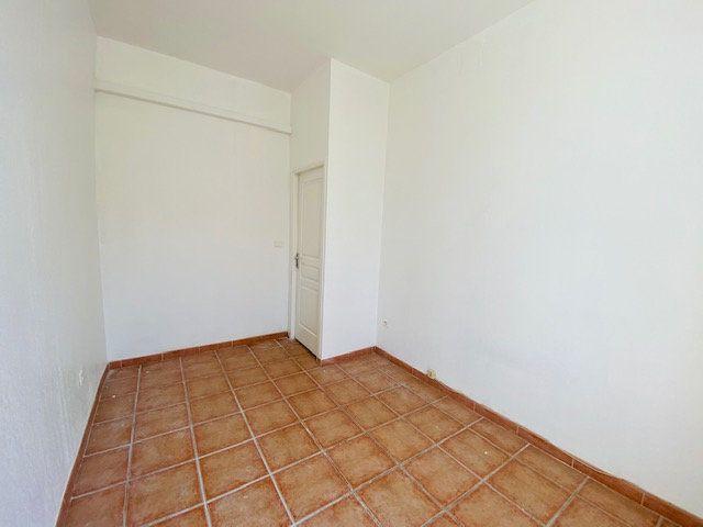 Appartement à louer 2 31.28m2 à Marseille 10 vignette-4