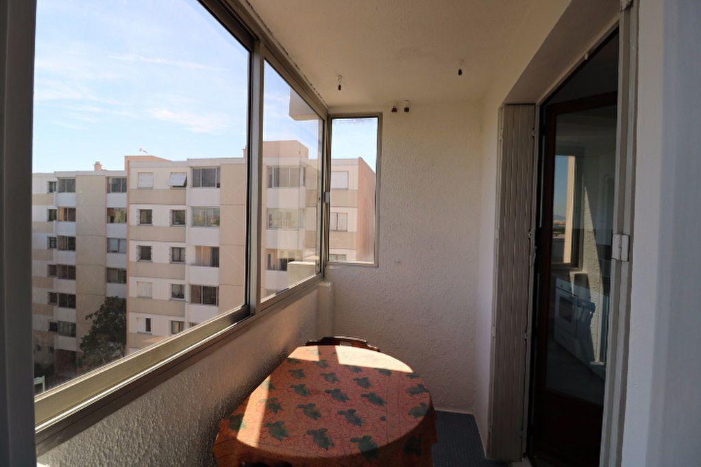 Appartement à louer 3 81.32m2 à Marseille 8 vignette-7