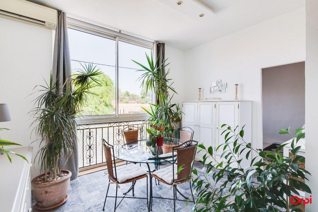 Appartement à vendre 4 88.09m2 à Marseille 8 vignette-2