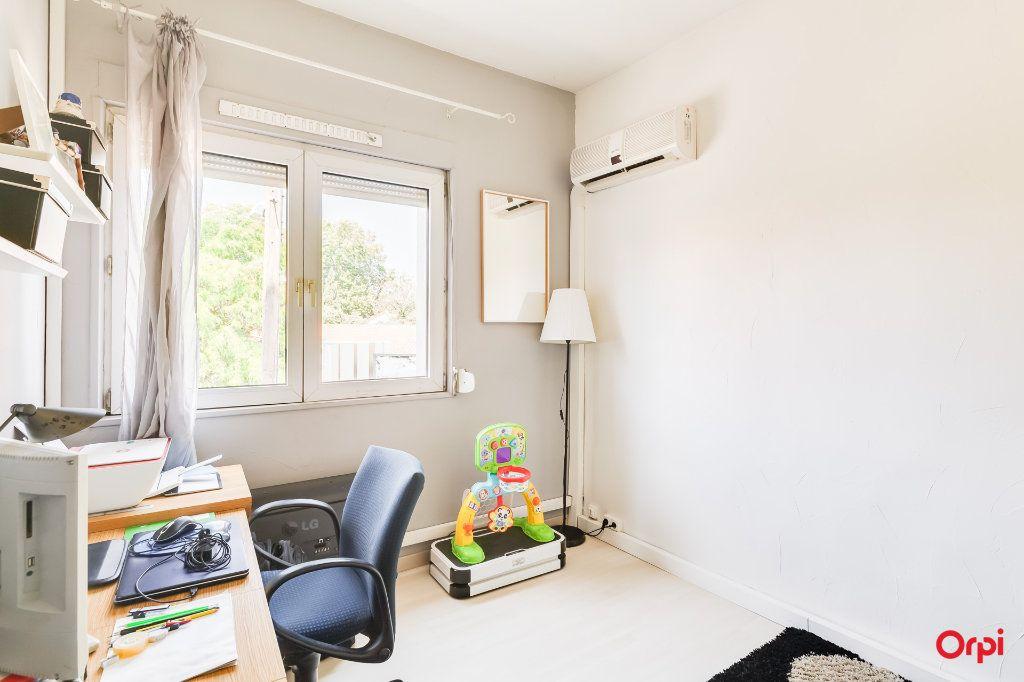Appartement à vendre 4 88.09m2 à Marseille 8 vignette-3